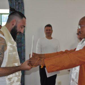 LAMA DHARGYA LOBSANG entregando el nombre del Dharma a Lobsang Dorje