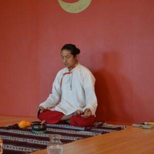 LAMA NORBU cofundador de Jamyang Tibetan Yoga